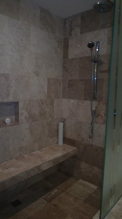 Secrets Silversands Riviera Cancun : Shower