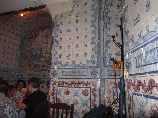 Mesa De Frades : O altar está praticamente todo preservado