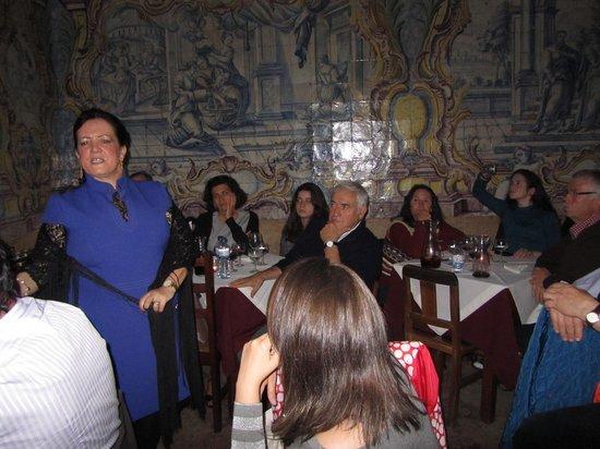 Mesa De Frades : Os fadistas interagem com o público