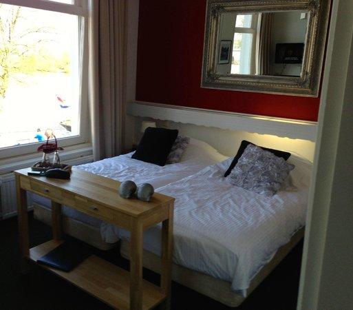 Hotel van Dijk: BED