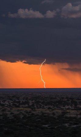 Tswalu Kalahari Reserve: Kalahari lightening strike
