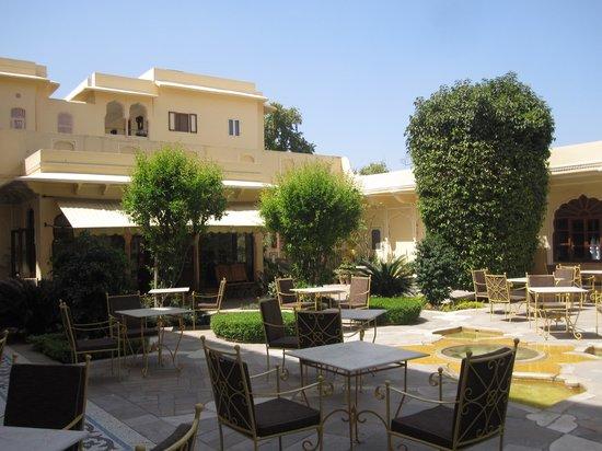 Samode Haveli : Outdoor dinning area