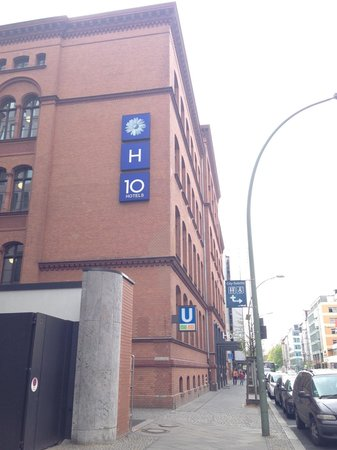 H10 Berlin Ku'damm: Appearance