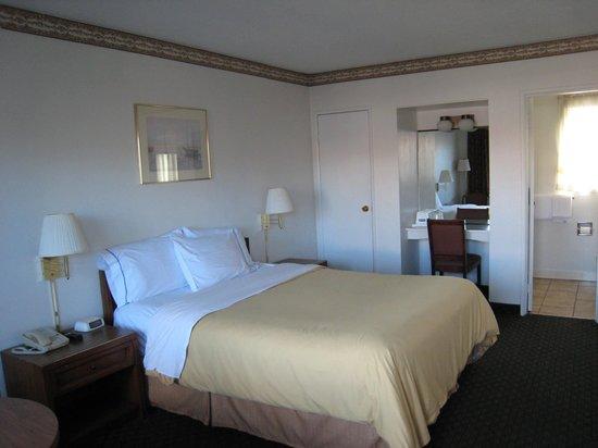 Travelodge Eureka: room