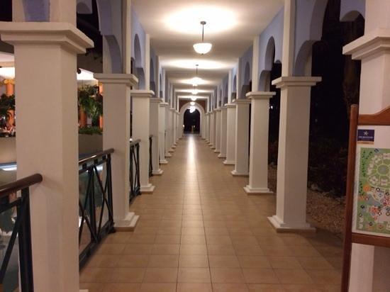 Iberostar Varadero : beautiful walkway