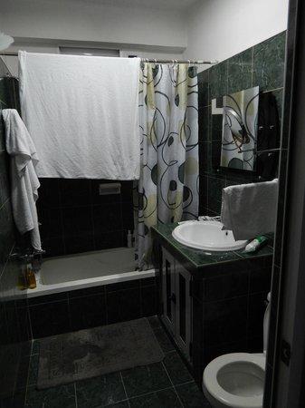 Casa Maura Habana Vieja: El Baño