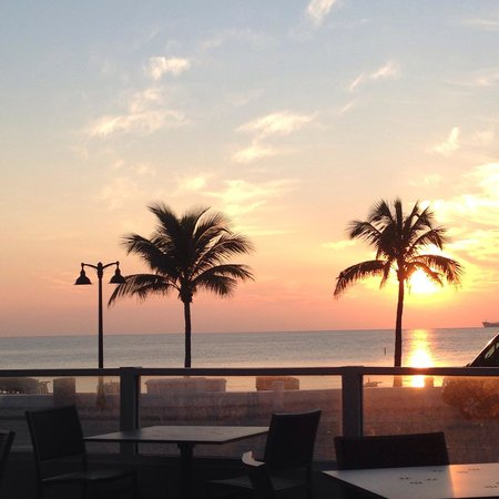 The Westin Beach Resort, Fort Lauderdale: Sunrise from Shula's
