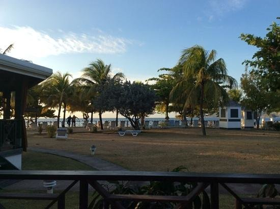 Coyaba Beach Resort : view from one of bars