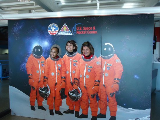 U.S. Space and Rocket Center : Eu e minhas amigas