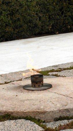 Arlington National Cemetery: Kennedy flame