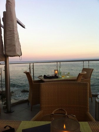 Malibu Beach Inn: dining