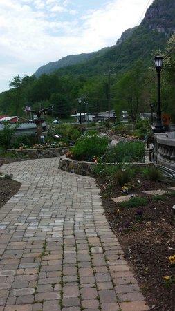 Lake Lure Flowering Bridge : Cobblestone walkway through the garden