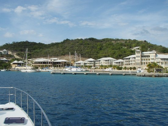 Scrub Island Resort, Spa & Marina, Autograph Collection: Approaching Scrubb Island from the water.
