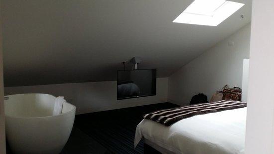 Salamanca Wharf Hotel: Main Bedroom - Comfy Bed!