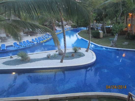 Dreams Punta Cana Resort & Spa : View from or 2nd floor room