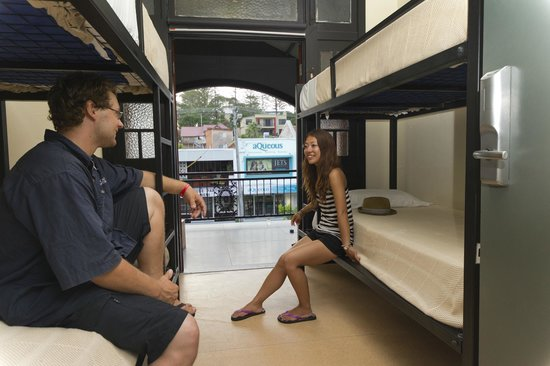 Coolangatta Sands Backpackers : Most rooms open to Balcony