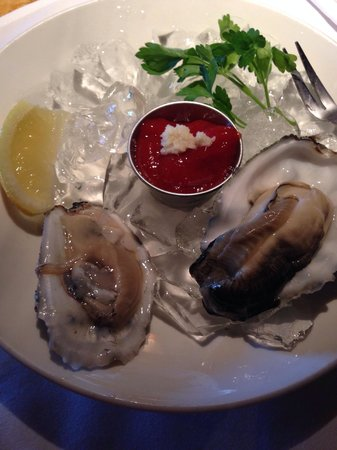 Brigantine Seafood Restaurant : Happy hour oysters. Fanny Bay on the right.