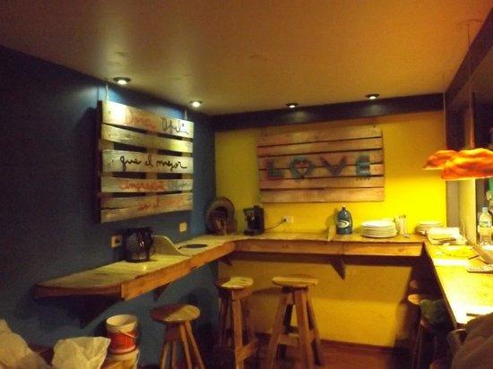 Supertramp Eco Hostel: Decoración Comedor