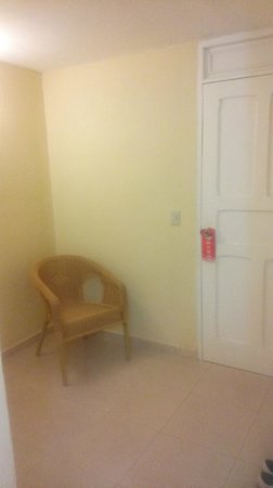 Islazul Villa Sotavento: Entrée de la chambre