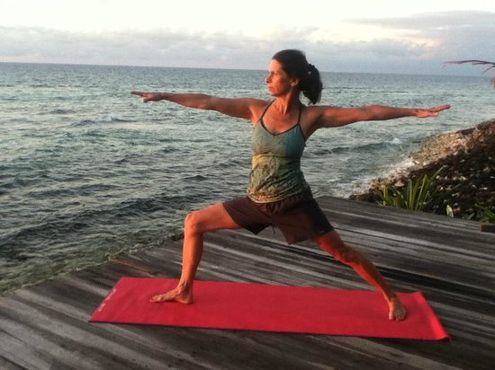 Off The Wall Dive Center & Resort: Sunrise yoga on the yoga deck!