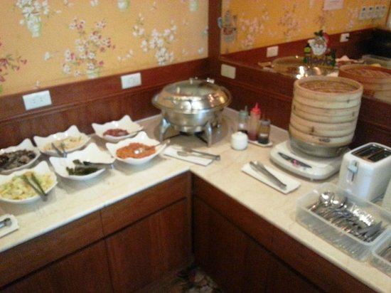 Reedon Boutique Hotel : Casual breakfast on the 8th floor - American and Chinese