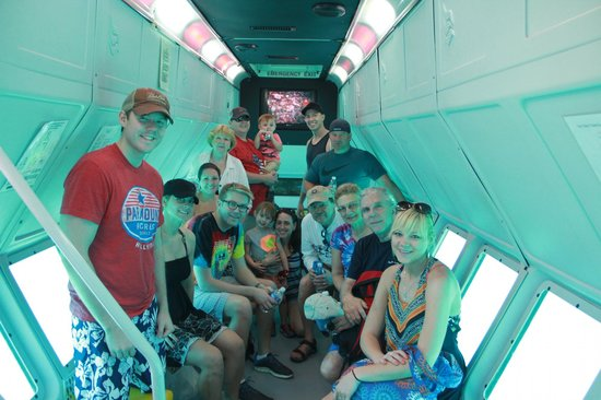 Cabo Submarine : below decks, bright and roomy and cool