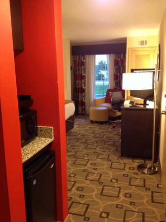 Holiday Inn Express Augusta East: Entry with microwave and fridge