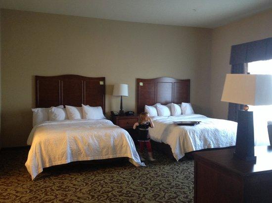Hampton Inn & Suites New Hartford : Beds