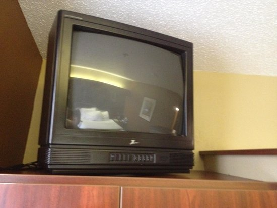 Microtel Inn by Wyndham Beckley: Box tv