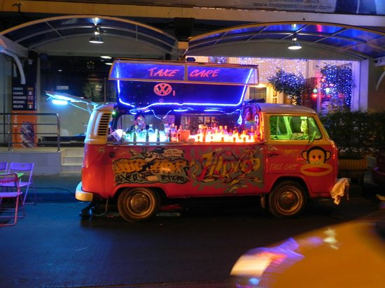 Smart Suites: VW Mini Van Bar