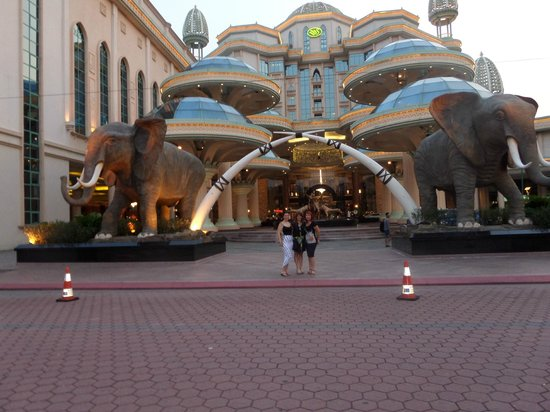 Sunway Resort Hotel & Spa: Sunway Front Enterance