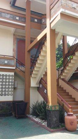 Bintan Agro Beach Resort: SeaHorse building staircase