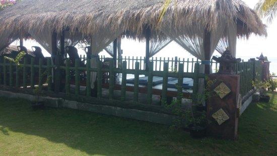 Bintan Agro Beach Resort: Massage area
