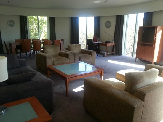 Rydges Capital Hill Canberra: View of Pavillion Suite