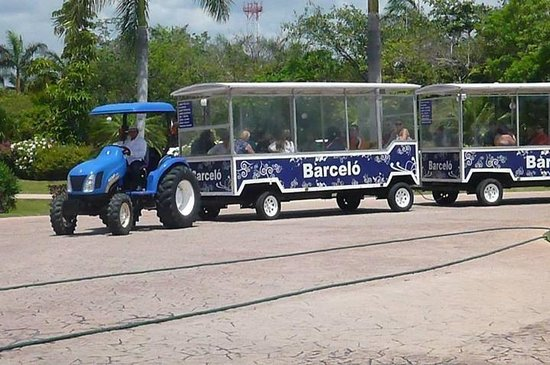 Barcelo Maya Tropical: Shuttle around to the resort hotels