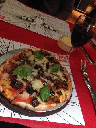 Il Gatto Trattorias : Pizza individual