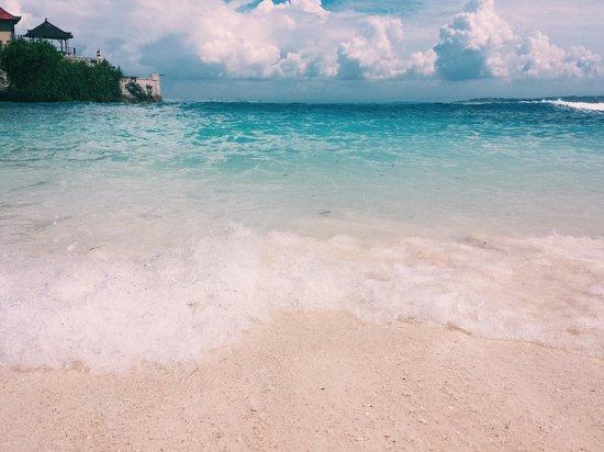 Secret Point Huts : Ceningan beach