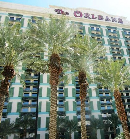 The Orleans Hotel & Casino: Hotel view from the poolside
