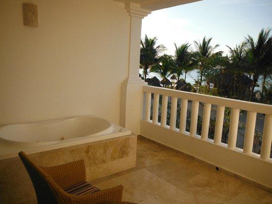 Grand Sunset Princess All Suites Resort: Terraza Habitacion
