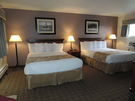 Murphy's River Lodge: clean, large rooms