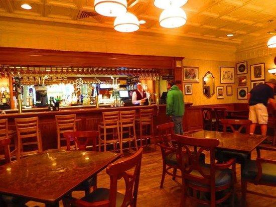 Disney's Port Orleans Resort - French Quarter : The Bar