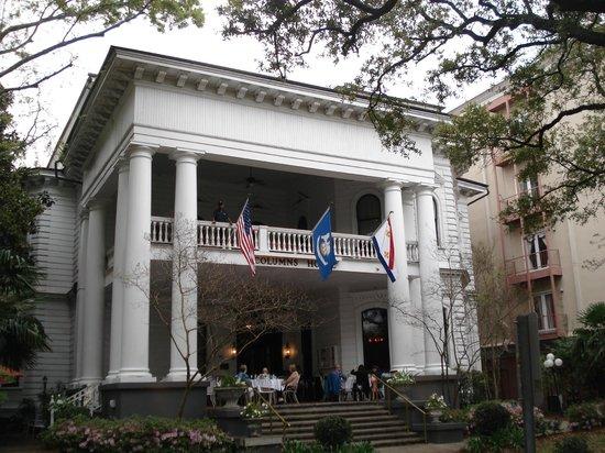 Columns Hotel: Entrance