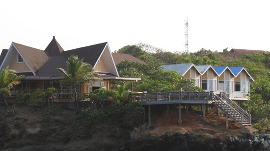 Paya Bay Resort : Restaurant and Cliffside rooms