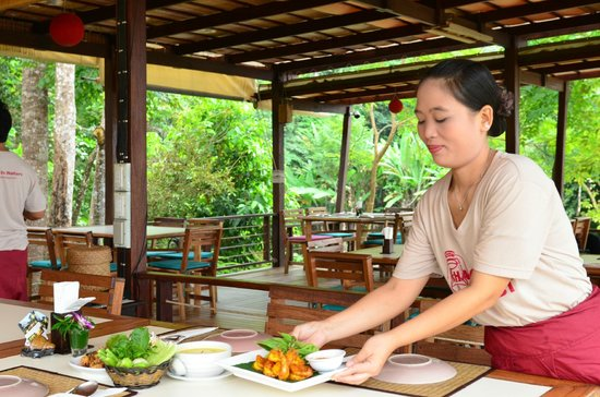 Khaothong Terrace Resort : Bar&Restaurant