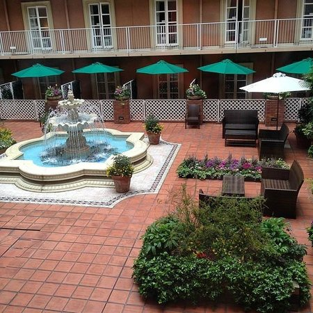 Namba Oriental Hotel: the courtyard i never went to