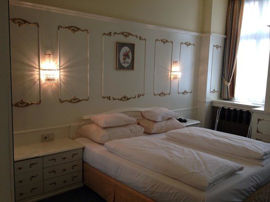 Schlosshotel Roemischer Kaiser : Room 15