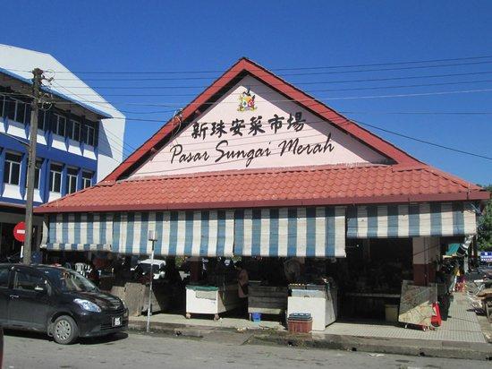 Wong Nai Siong Garden: Sungai Merah Market