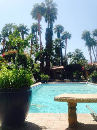 Villa Royale Inn: The best way to start a new day & go to Coachella music Fest 2014������