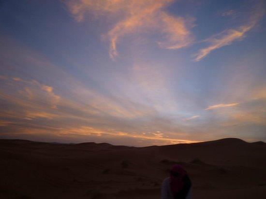 Kasbah Azalay Merzouga : 砂漠での夕日