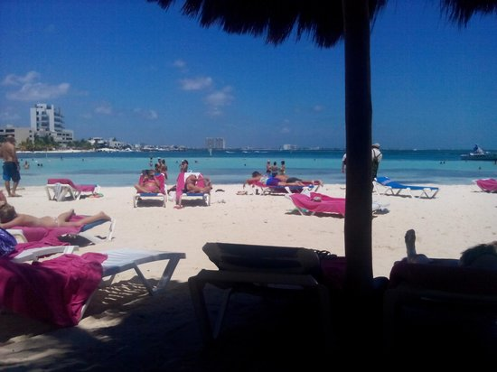 Grand Oasis Palm: beach at grand palm